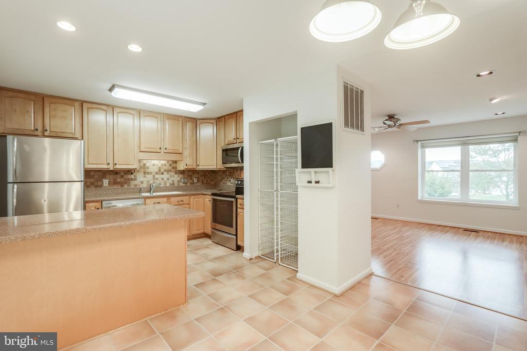 Kitchen - 3332 YORKSHIRE CT, ADAMSTOWN