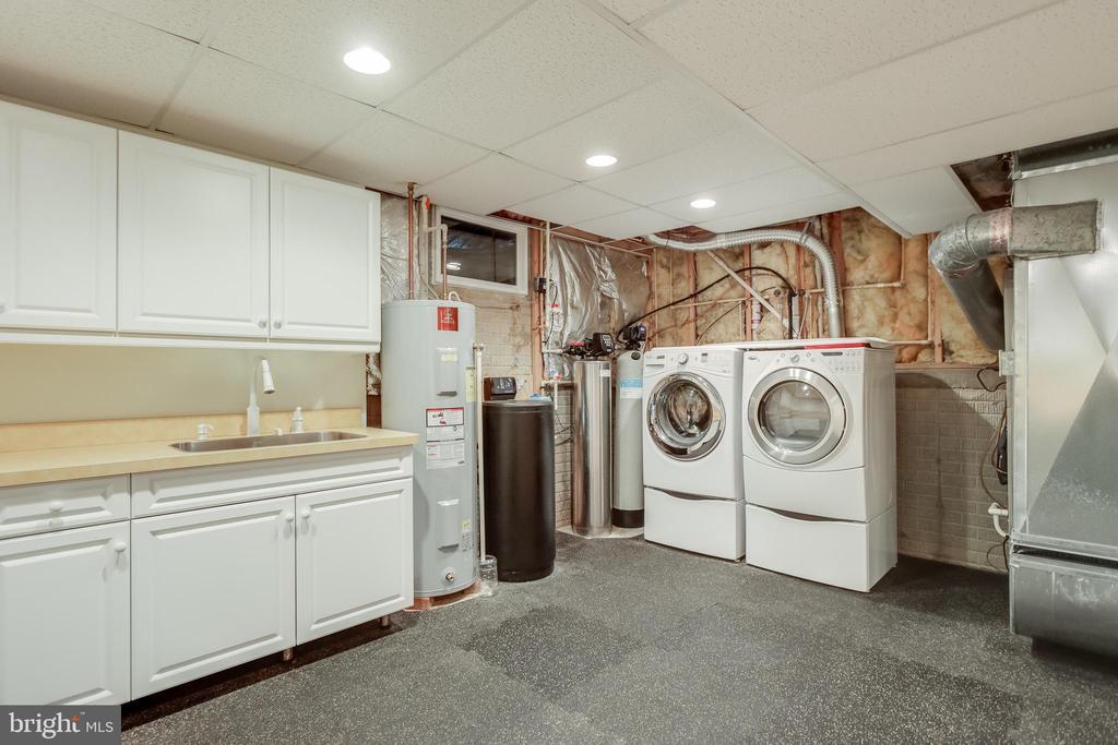 Craft/ laundry Room - 3332 YORKSHIRE CT, ADAMSTOWN