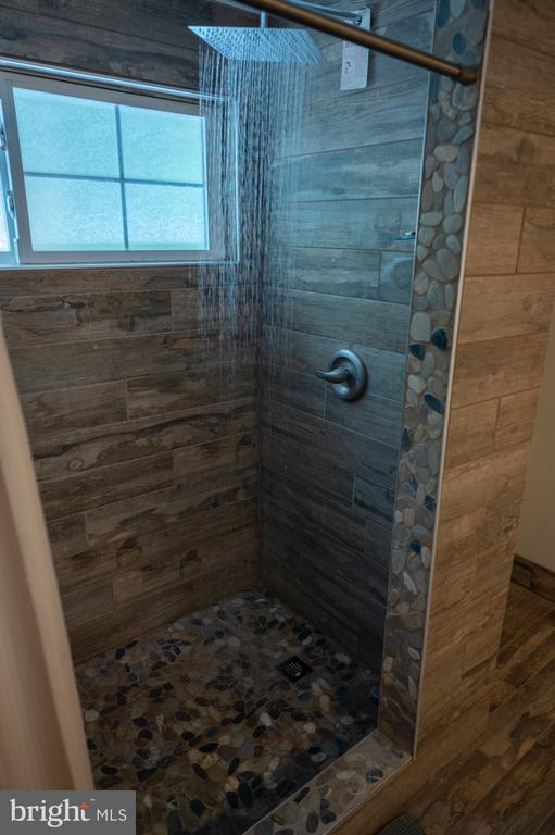 Master Bath shower - 12300 PLANTATION DR, SPOTSYLVANIA