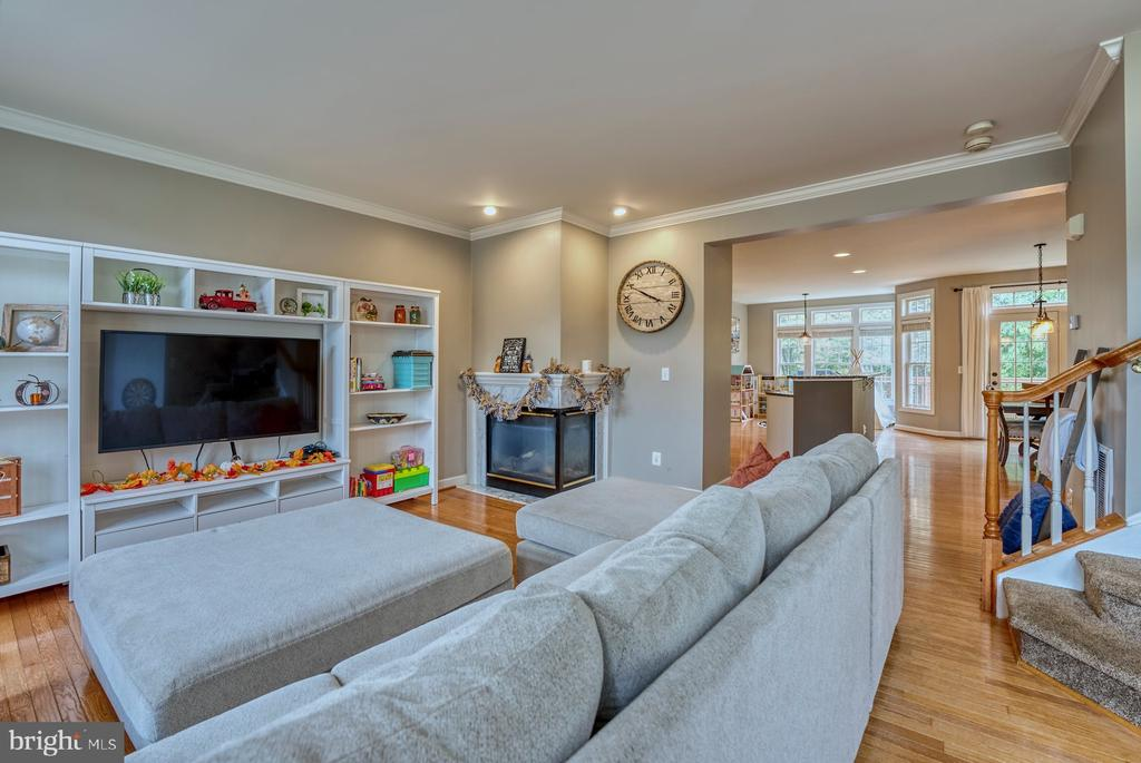 Living Room Flows Directly into Kitchen - 8075 MONTOUR HEIGHTS DR, GAINESVILLE