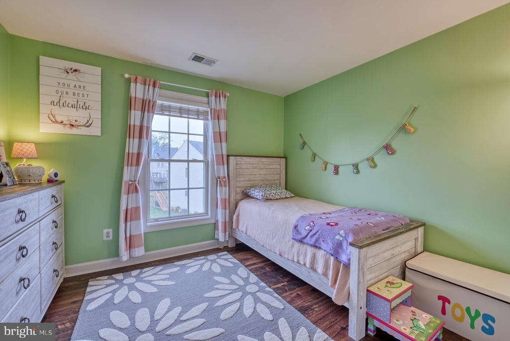 Adorable Third Bedroom - 8075 MONTOUR HEIGHTS DR, GAINESVILLE
