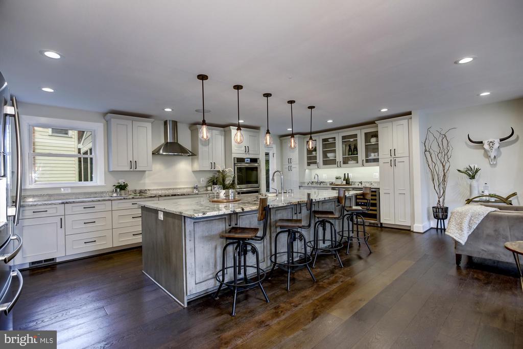 Glorious kitchen - 5507 DURBIN RD, BETHESDA