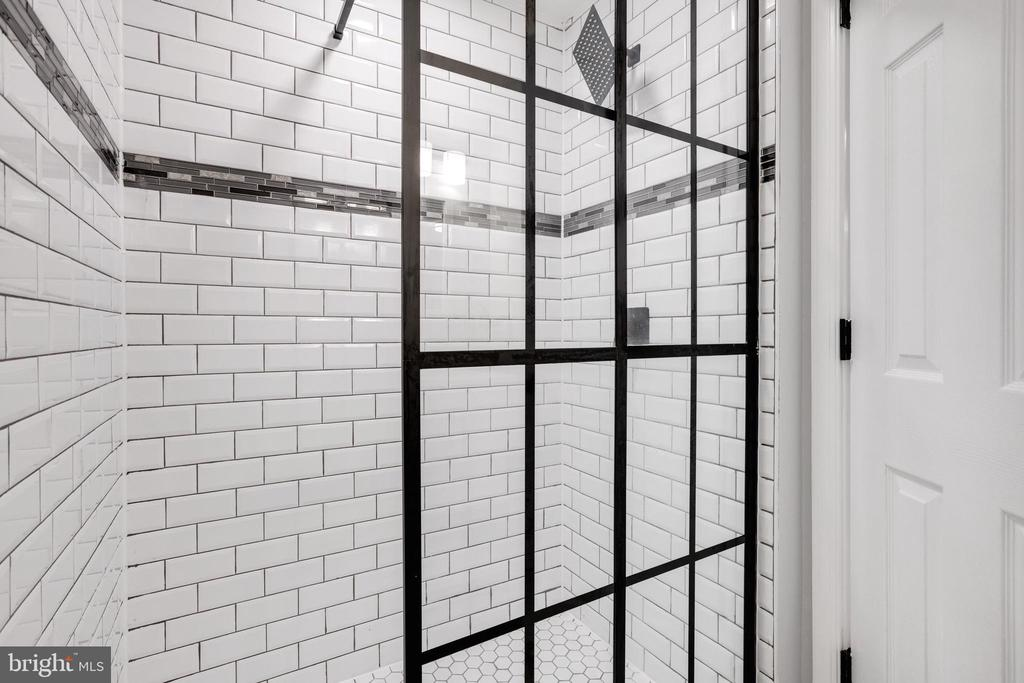 Bathroom 1 - Shower - 14315 FERNDALE RD, WOODBRIDGE
