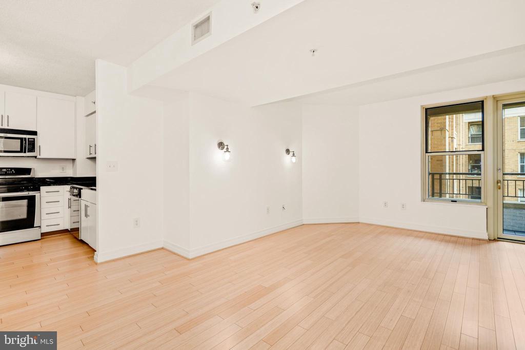Living room View 1 - 915 E ST NW #914, WASHINGTON