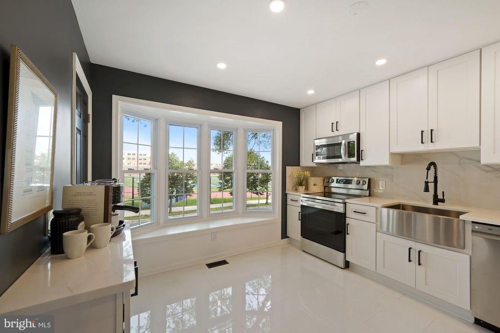 Brand new renovated kitchen - 4110 WASHINGTON BLVD, ARLINGTON