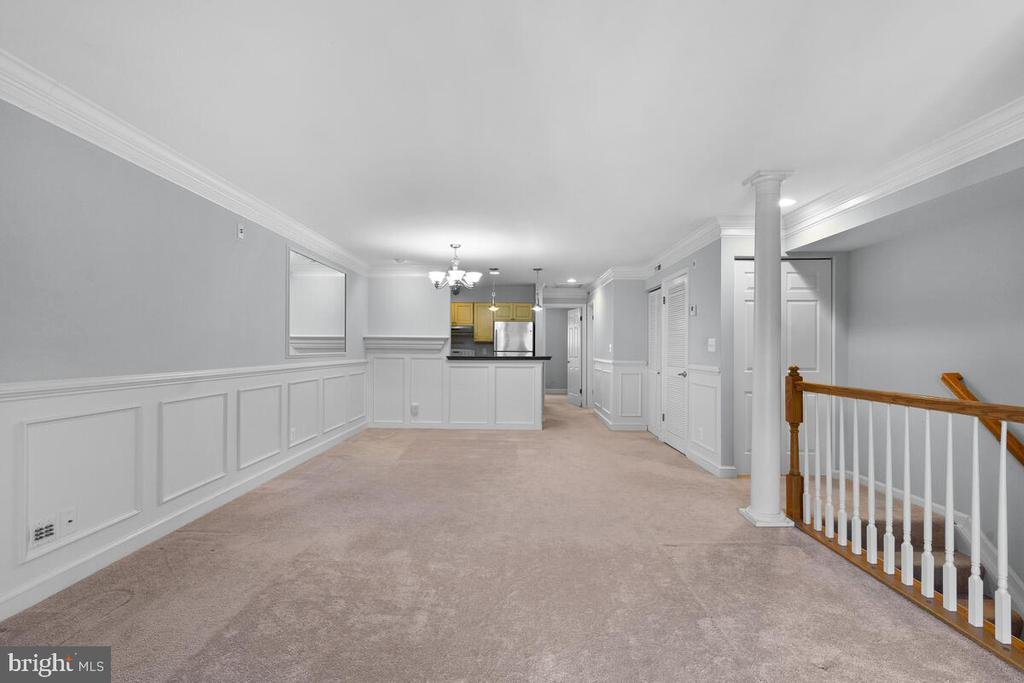 Tons of Natural Light - 5835 ORCHARD HILL LN, CLIFTON