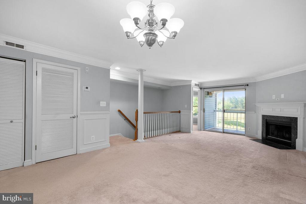Lots of Natural Light - 5835 ORCHARD HILL LN, CLIFTON