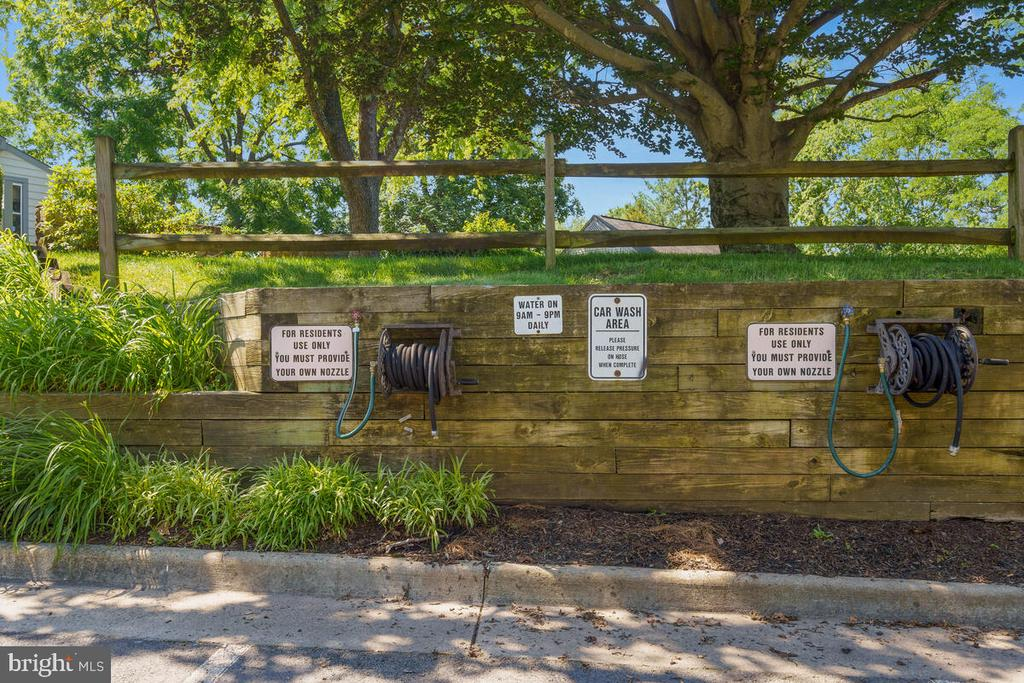 Car Washing Station - 5835 ORCHARD HILL LN, CLIFTON