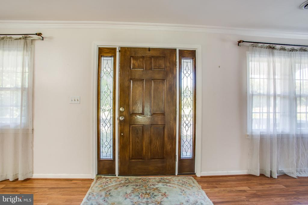 Entry area - 655 COURTHOUSE RD, STAFFORD