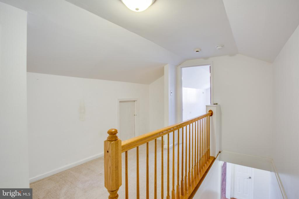 Upstairs landing - 655 COURTHOUSE RD, STAFFORD