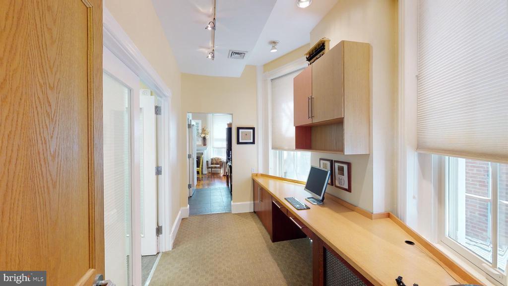 Main Floor work area - 1735 20TH ST NW, WASHINGTON