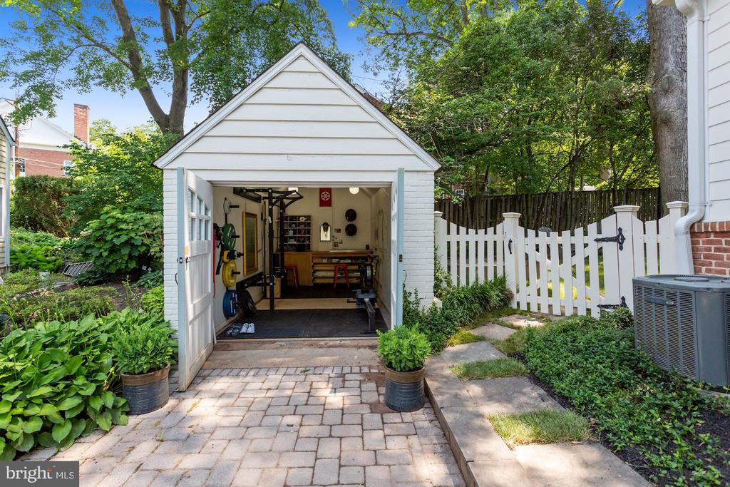 Garage: Heated And Cooled for Add. Living Space - 1537 N IVANHOE ST, ARLINGTON
