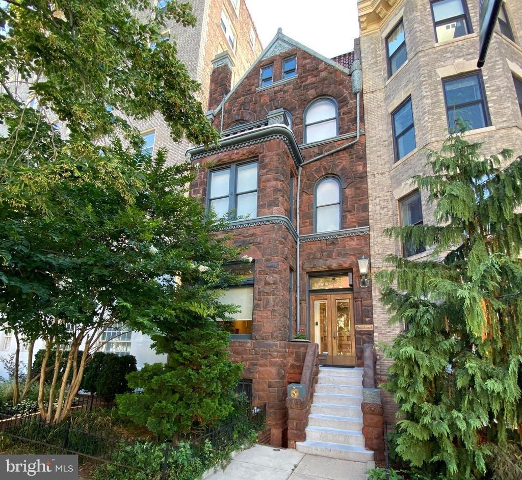 Historic Brownstone Facade - 1735 20TH ST NW, WASHINGTON