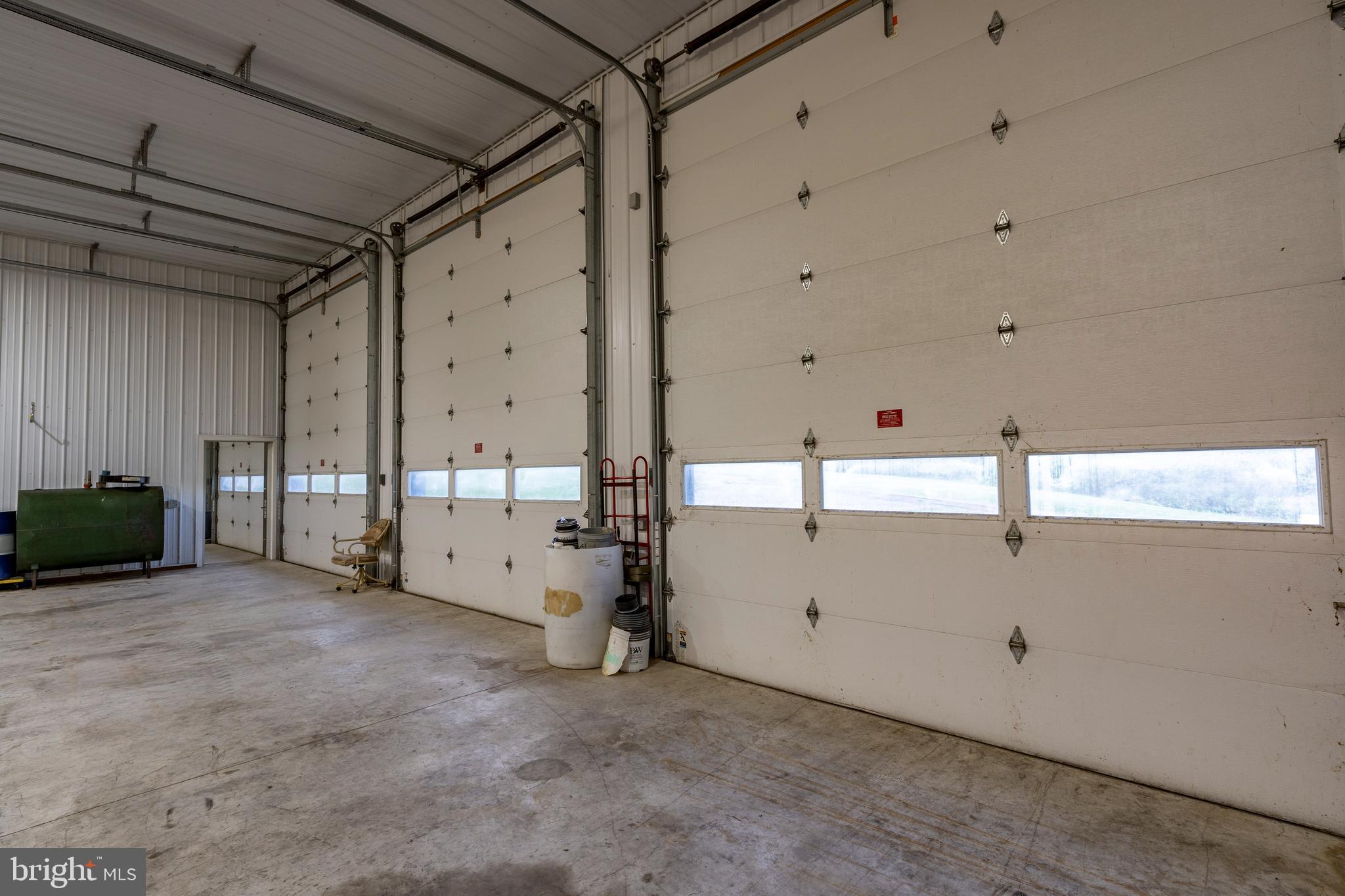 Garage /shop with 12'x14' doors