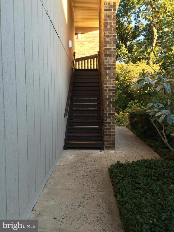 Building entry - 5761 REXFORD CT #S, SPRINGFIELD