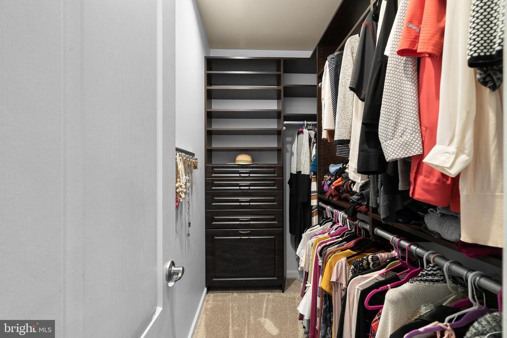 Two Custom Walk-In Closets - 19400 DIAMOND LAKE DR, LEESBURG