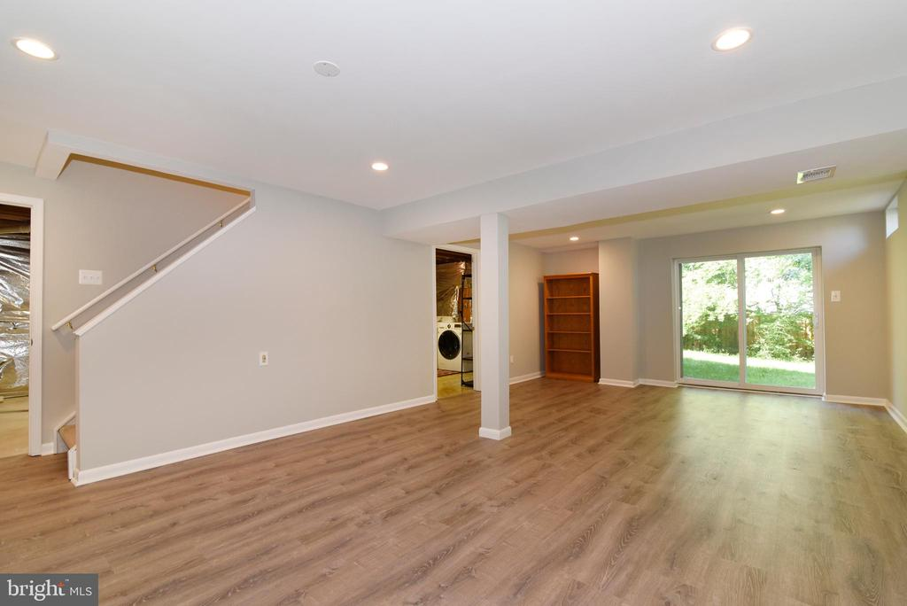 Renovated Rec Room with walkout - 12641 TERRYMILL DR, HERNDON