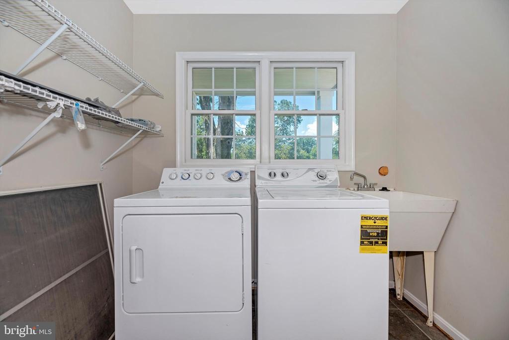 first floor laundry - 10302 COPPERMINE RD, WOODSBORO