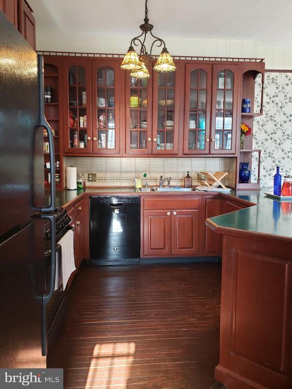Inside the Kitchen Peninsula. - 1115 RHODE ISLAND AVE NW, WASHINGTON