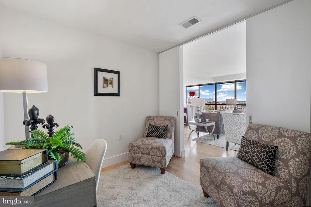 Den / Office off Living Room - 2001 15TH ST N #1106, ARLINGTON