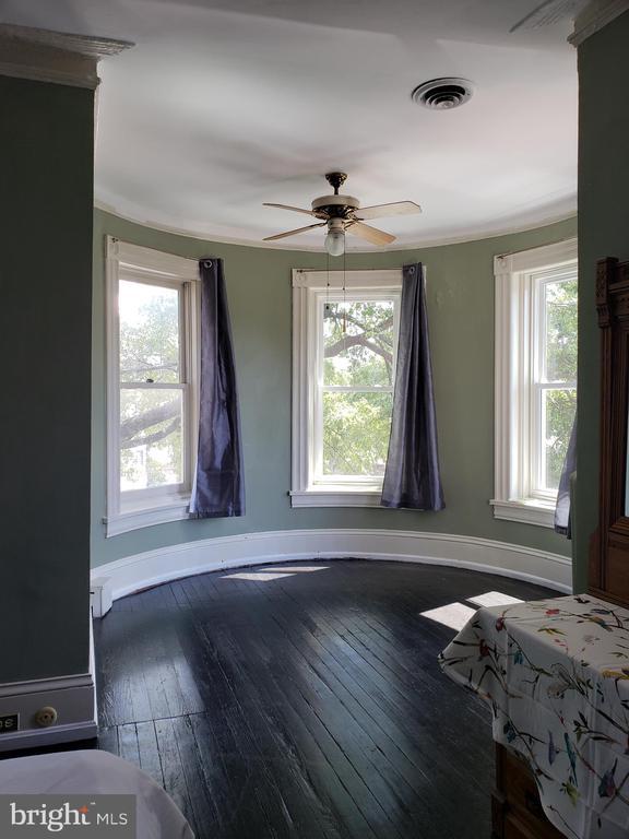 2cd Floor Front Bedroom Turret Area. - 1115 RHODE ISLAND AVE NW, WASHINGTON