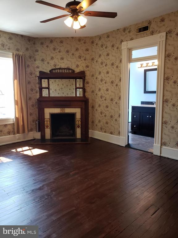 Second Floor Living Room - 1115 RHODE ISLAND AVE NW, WASHINGTON