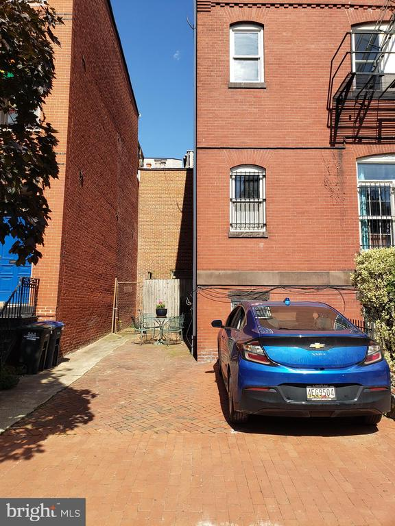 Back Parking Pad for 2 Cars/Patio Area. - 1115 RHODE ISLAND AVE NW, WASHINGTON
