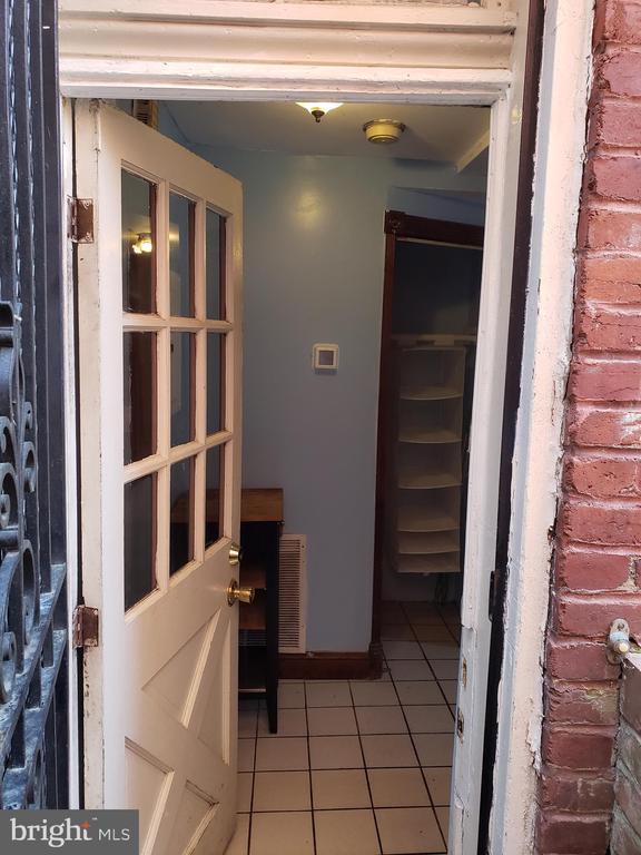 Separate Entrance to Accessory Studio. - 1115 RHODE ISLAND AVE NW, WASHINGTON