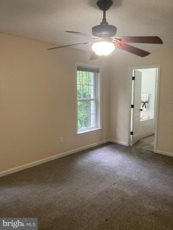 Master Bedroom w/ En Suite Bath - 8163 REAGAN DR, KING GEORGE