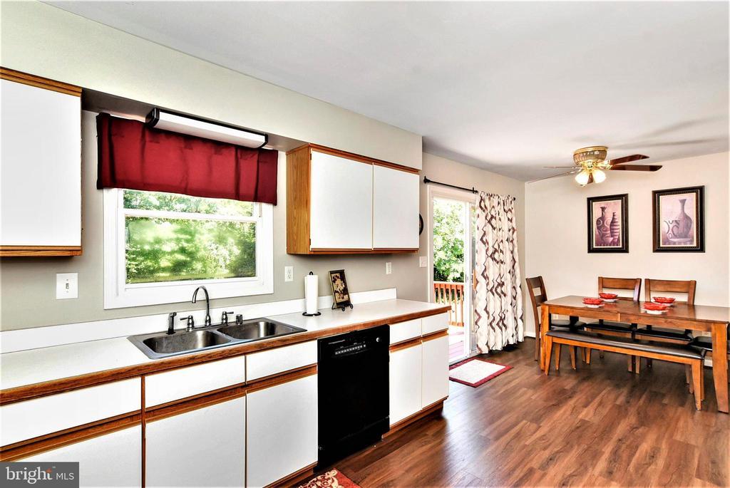 Kitchen - 4 US FORD LN, FREDERICKSBURG