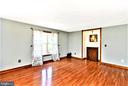 Living room - 4 US FORD LN, FREDERICKSBURG