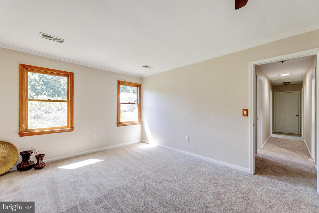 Primary BR (see the solar tube in the hall?) - 3208 SHOREVIEW RD, TRIANGLE