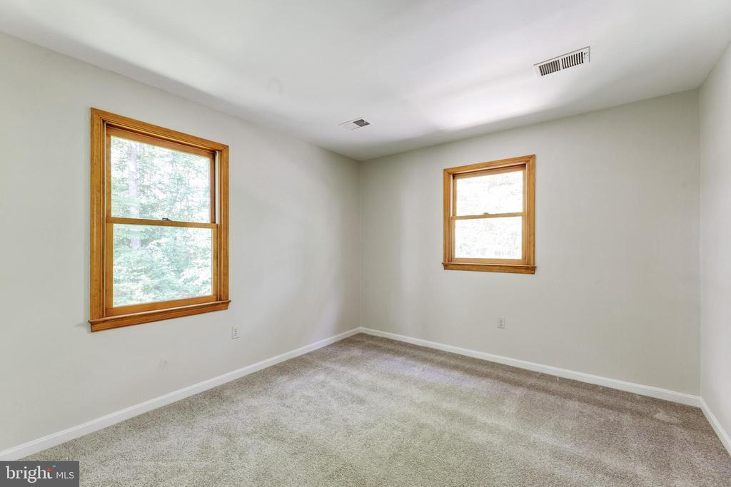 BR #4: So many windows everywhere! - 3208 SHOREVIEW RD, TRIANGLE