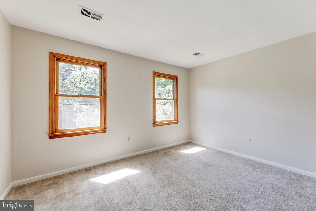 BR #5:  Oooops... more windows & light. Yay! - 3208 SHOREVIEW RD, TRIANGLE
