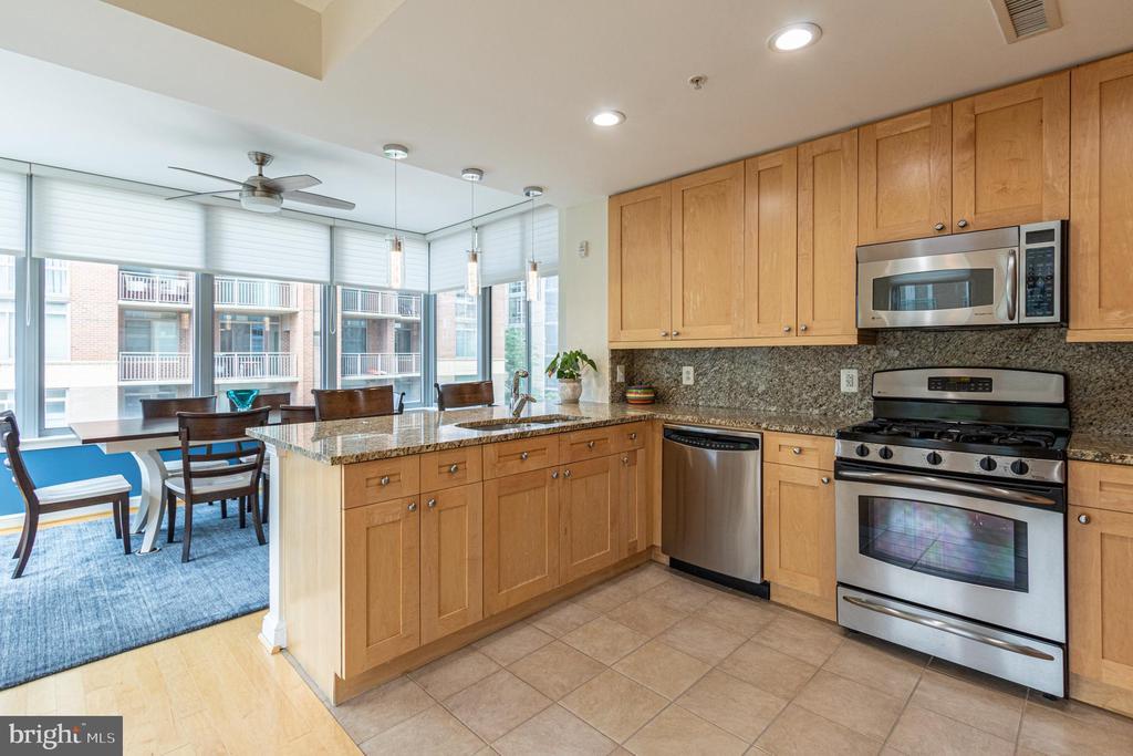 Kitchen - 11990 MARKET ST #215, RESTON