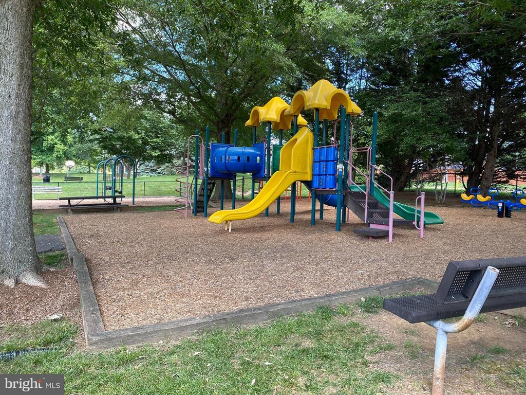 Community Playground - 10911 HUNTER GATE WAY, RESTON