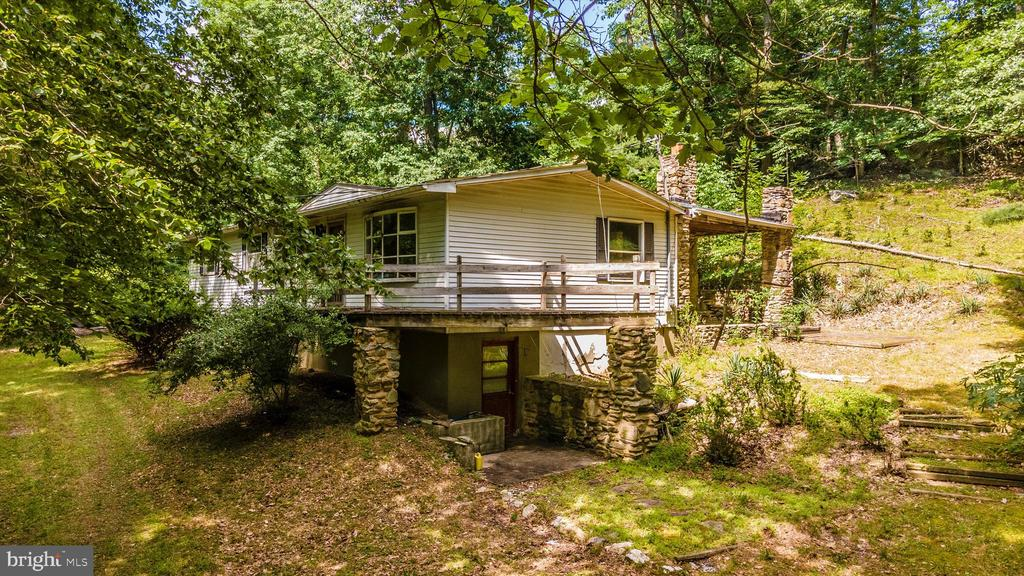 House - 6233 YEAGERTOWN RD, NEW MARKET
