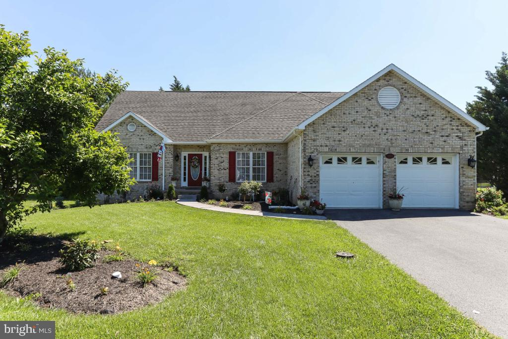 Located in Sought After Locust Hill - 384 TURNBERRY DR, CHARLES TOWN