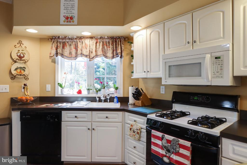 The Home Has Brand New Flooring Throughout! - 384 TURNBERRY DR, CHARLES TOWN