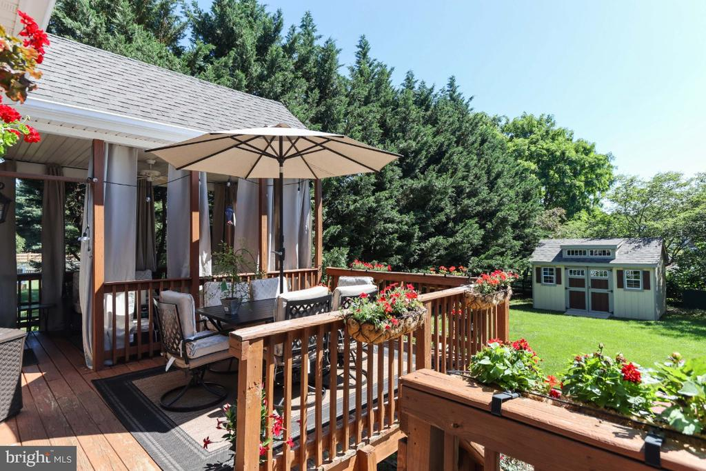 The Deck Overlooks the Fenced Yard! - 384 TURNBERRY DR, CHARLES TOWN