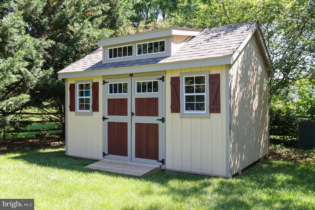 New Storage Shed! - 384 TURNBERRY DR, CHARLES TOWN