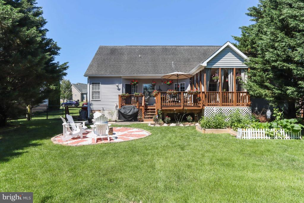 The Yard is Big Enough for Gardening & Playing! - 384 TURNBERRY DR, CHARLES TOWN