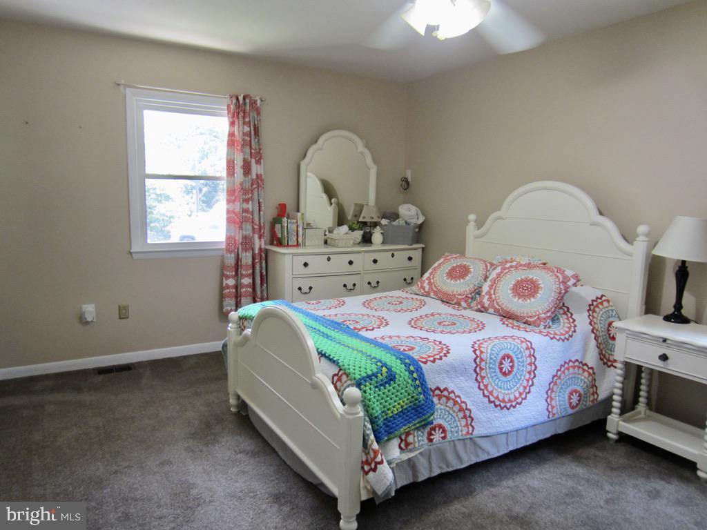 Bedroom #1 - 81 ESTATE ROW, STAFFORD