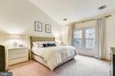 Primary Bedroom with Vaulted ceiling - 1323 SUNDIAL DR, RESTON