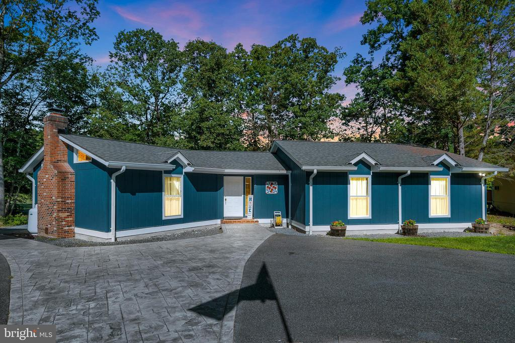 Welcome to  141 Eagle Court at dusk - 141 EAGLE CT, LOCUST GROVE