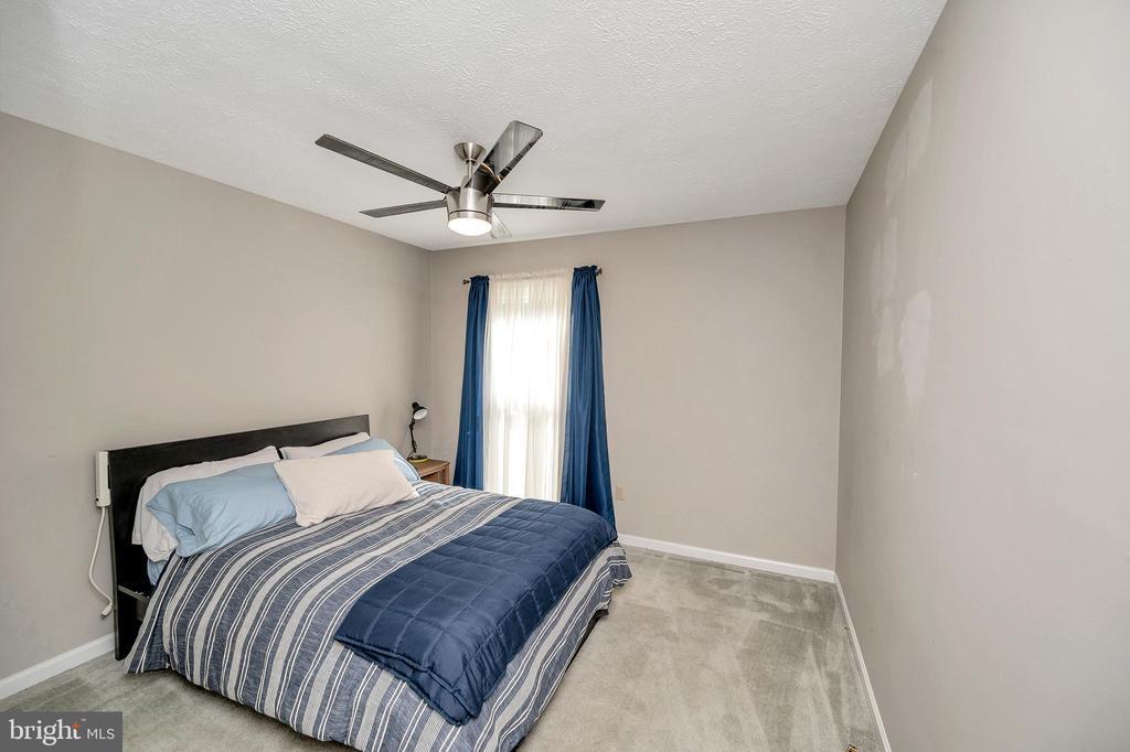 Bedroom 3 - 141 EAGLE CT, LOCUST GROVE