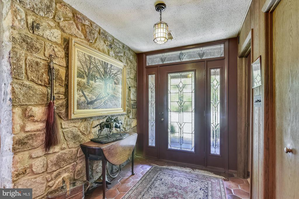 Entrance - 1823 OLD WINCHESTER RD, BOYCE