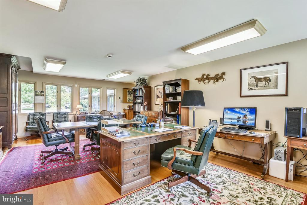 Office - 1823 OLD WINCHESTER RD, BOYCE