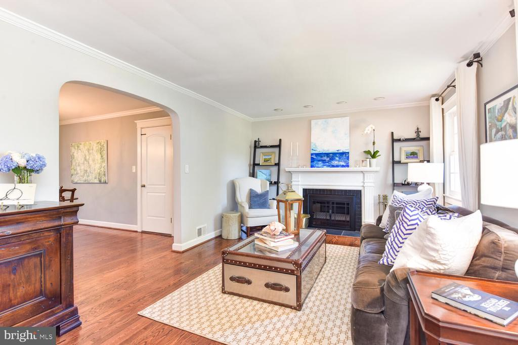 Living room with wood-burning fireplace - 3302 ELMORE DR, ALEXANDRIA
