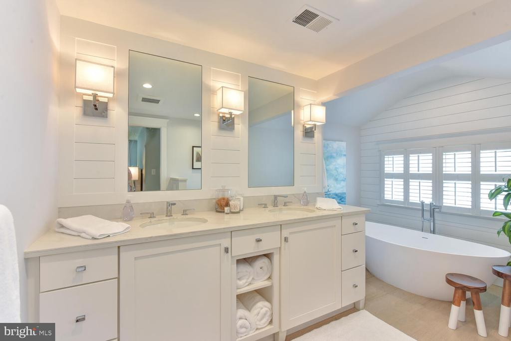 Primary spa-inspired bathroom - 3302 ELMORE DR, ALEXANDRIA